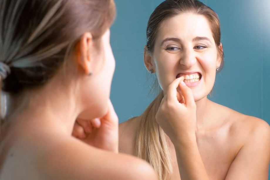 4 Signs You Have Periodontal (Gum) Disease